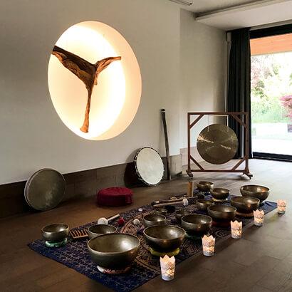Középpont Jógastúdió | Hangfürdő és hangtál kezelés | Késely Hajni